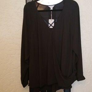 Belle Sky Woman criss cross blouse